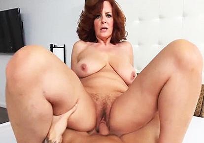 Бесплатное мама и сын порно ролики