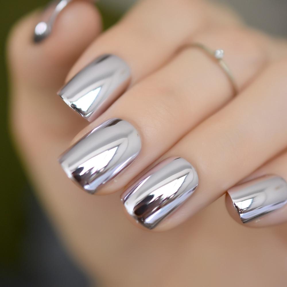 Light purple fake nails