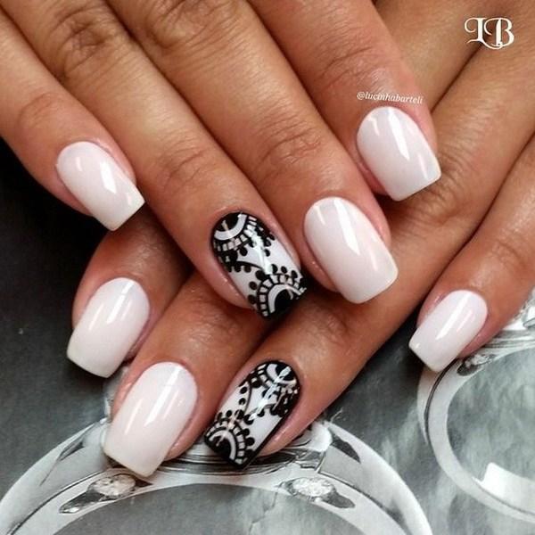 Lace pattern nails
