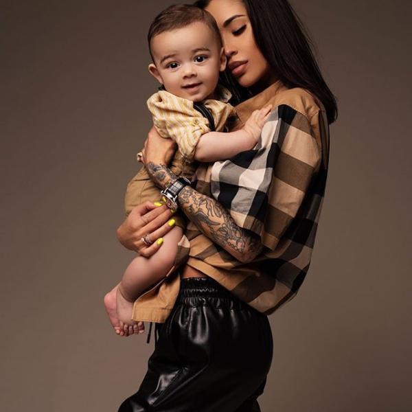 На фото: Карина Тигра с сыном
