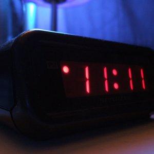 Числа на часах совпадают значение