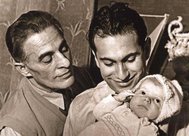 Միխաիլ Տալը հոր և որդու հետ