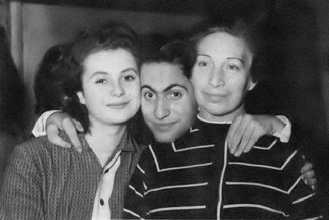 Միխաիլ Տալը կնոջ և մոր հետ
