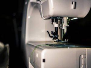 Швейная машинка путается нижняя нитка