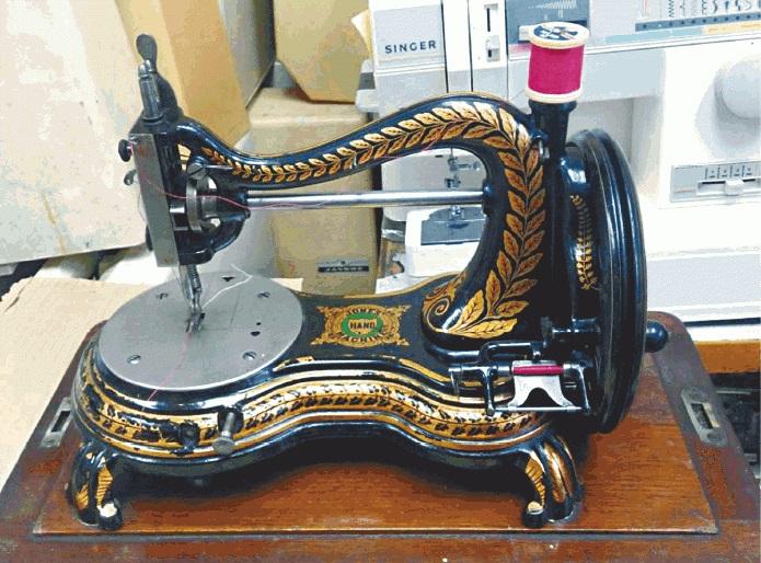 На швейной машинке рвется нитка