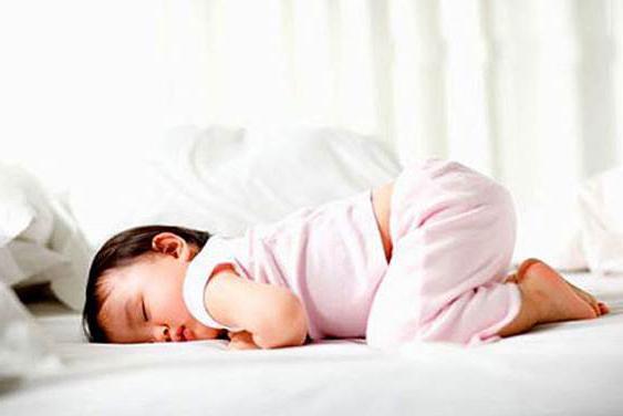 На животе спать можно