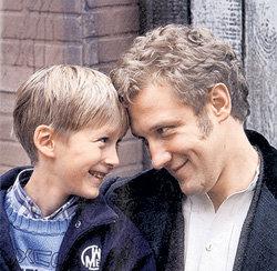 После развода Сергей продолжает часто встречаться с сыном Глебом
