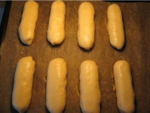 Пирожки с сосиской в духовке - фото шаг 4