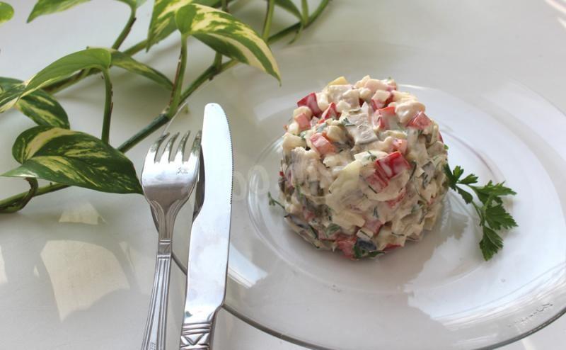 Салат из скумбрии копченой рецепт с фото