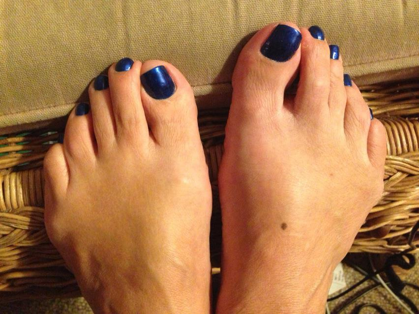 Blue painted toe nails