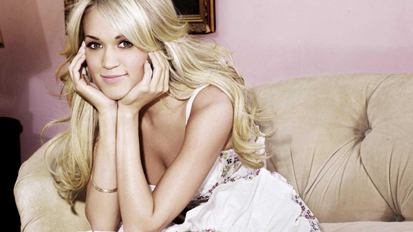 Carrie Underwood sexiest pictures from her hottest photo shoots. (10)