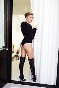 Голая актриса, певица Miley Cyrus фото, эротика, картинки - фотосессия из мужского журнала GQ на Xuk.ru! Фото 49