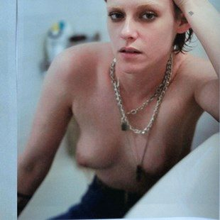 Kristen Stewart Is A Naked Mess