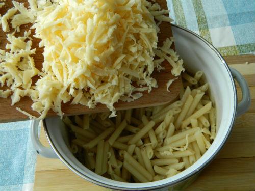 Как вкусно приготовит макароны сосиской