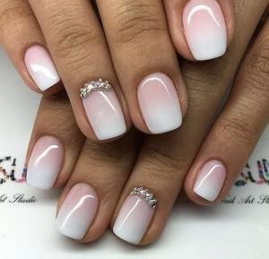 маникюр в бело-розовых тонах, маникюр розовый с белым