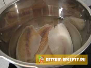 рыбное филе под молочным соусом