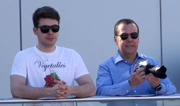 Дмитрий медведев биография сын