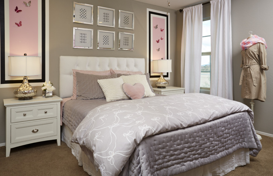 Ridge Plan: Secondary Bedroom for family members or overnight guests