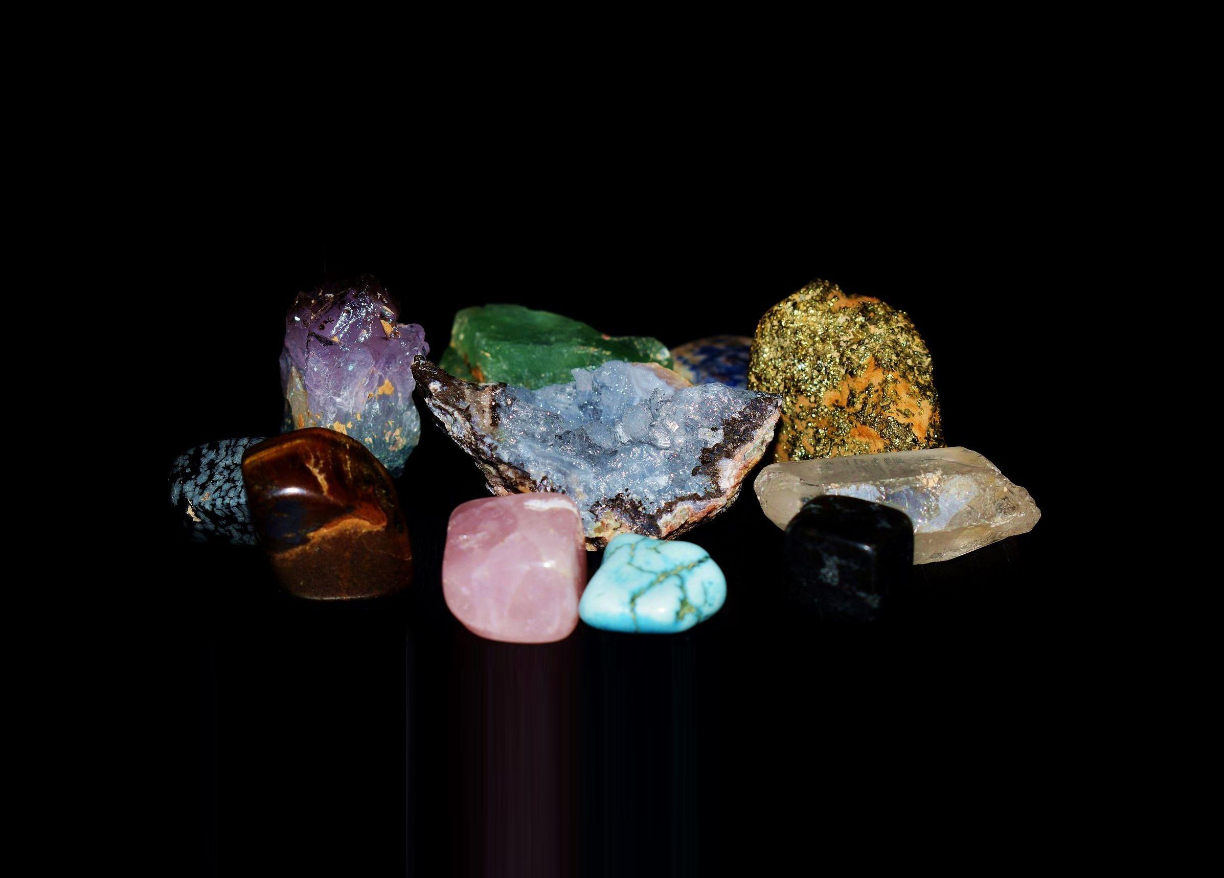 polodrahokamy-kameny