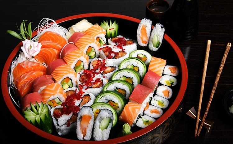 Чем вредны роллы и суши