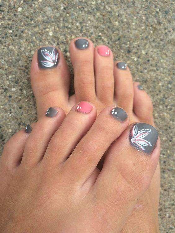 Gray toe nails
