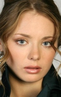 В главной роли Актриса, Актер дубляжа Карина Разумовская, фильмографию смотреть .
