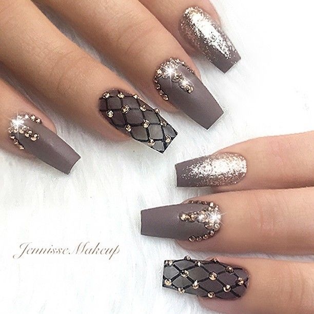 Jennissemakeup nails