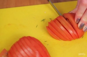 Лаваш с сыром и помидорами на сковороде