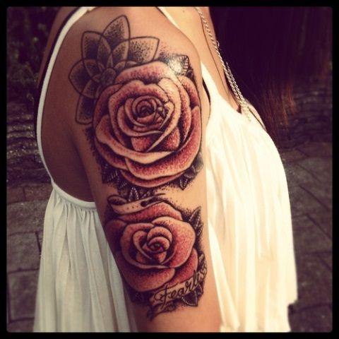 Что означает роза тату у девушек