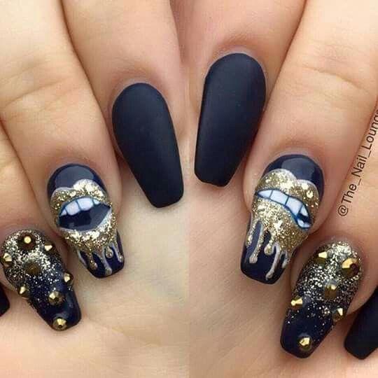Lip design on nails