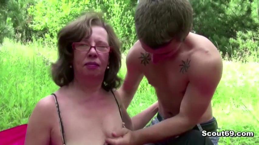 Порно онлайн с бабкой
