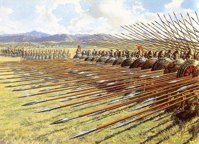 Македонская сарисса (основное оружие фалангиста) имела в длинну 6-7 м.