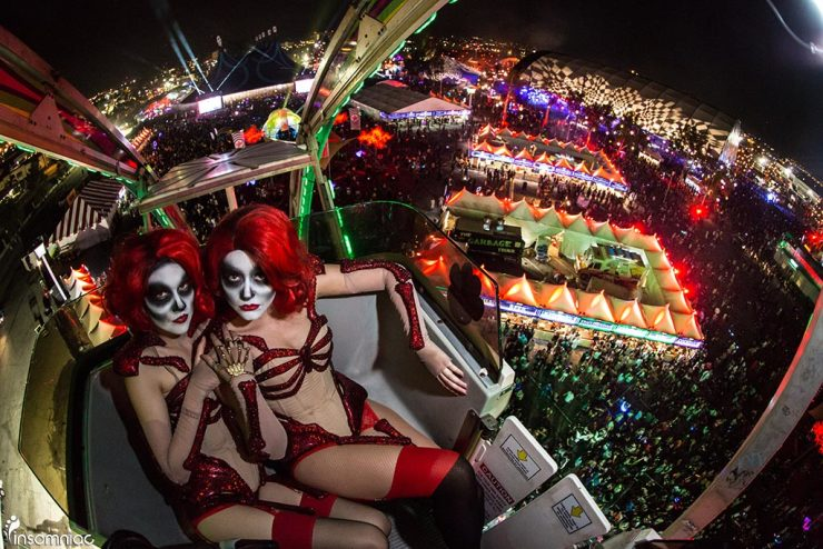 Clown girls on ferris wheel