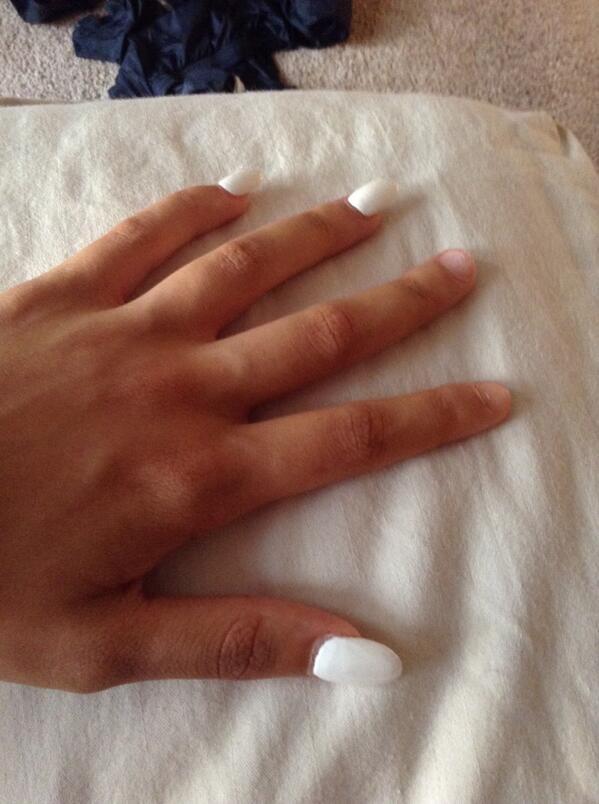Lesbian fingernails