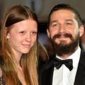 Шайа Лабаф и Миа Гот разводятся опосля 2-ух лет брака