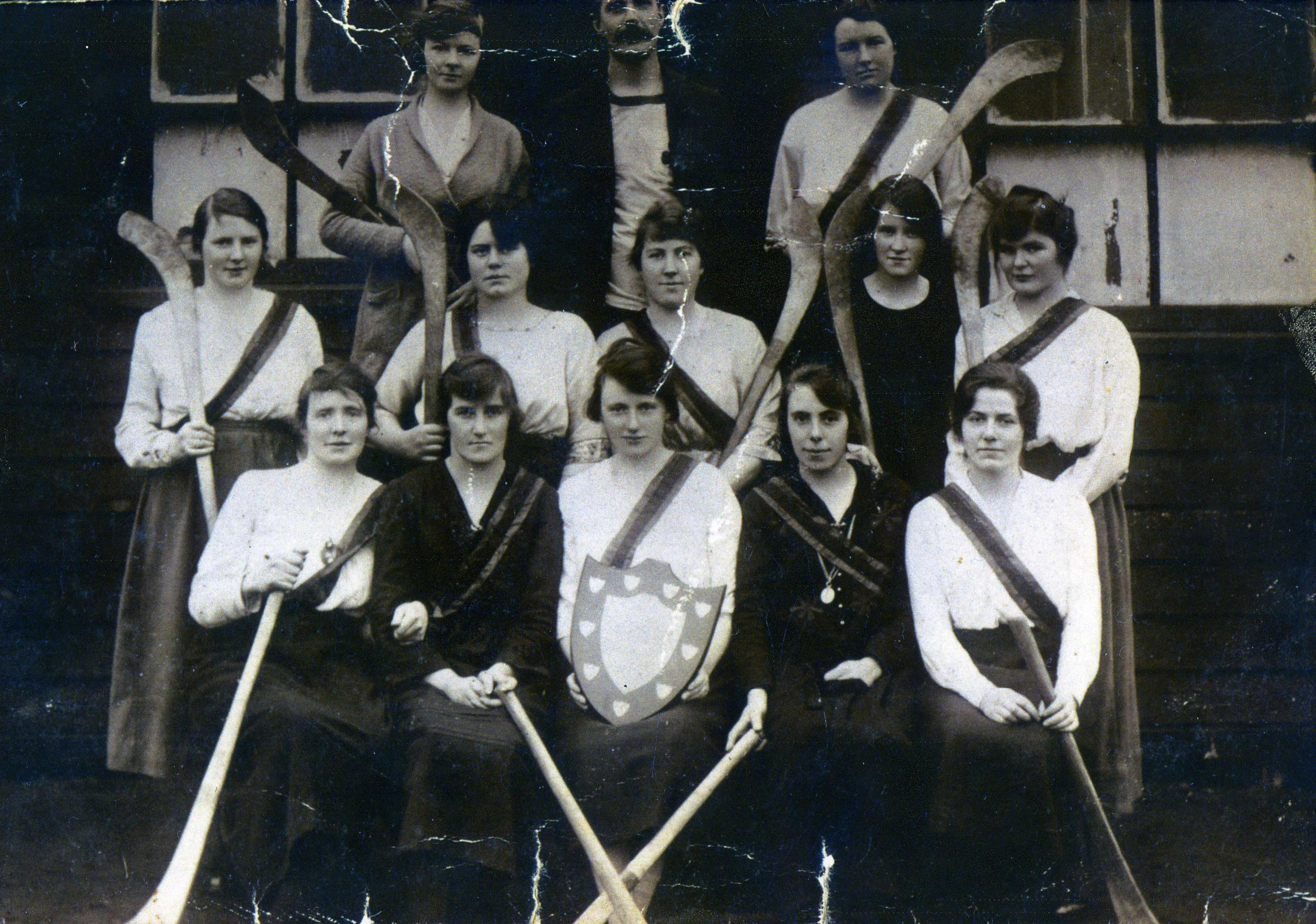 1921 London-Irish Camogie Team