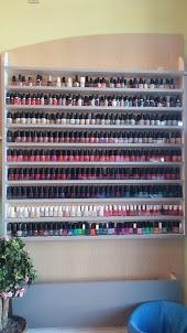 Creative nails sterling va
