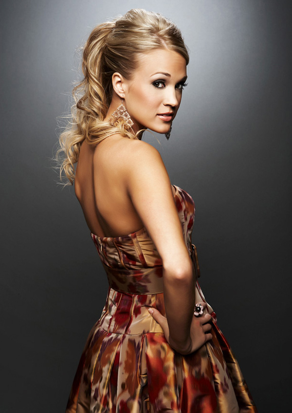 Carrie Underwood sexiest pictures from her hottest photo shoots. (4)