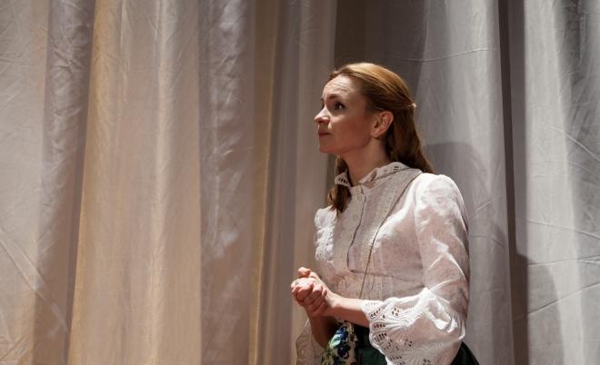 Ольга Литвинова в театре