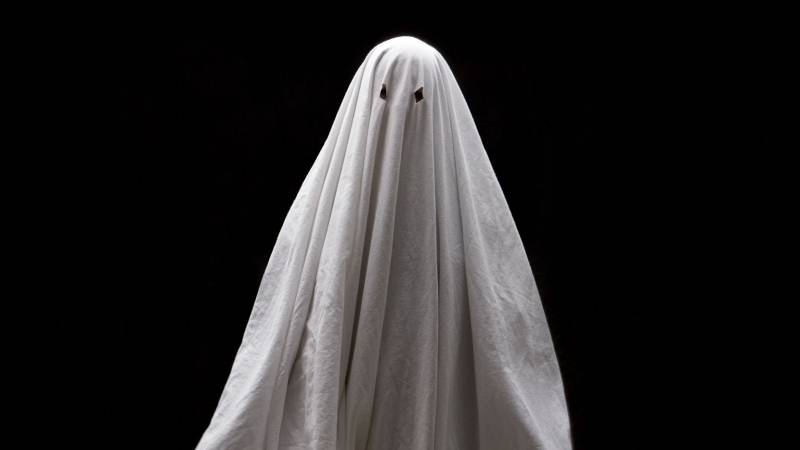 Celebrities who have seen ghosts