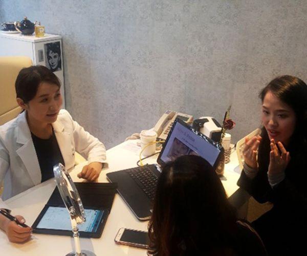 Group skin care at Korean famous skin clinic! - 03 (Vietnamese & English)