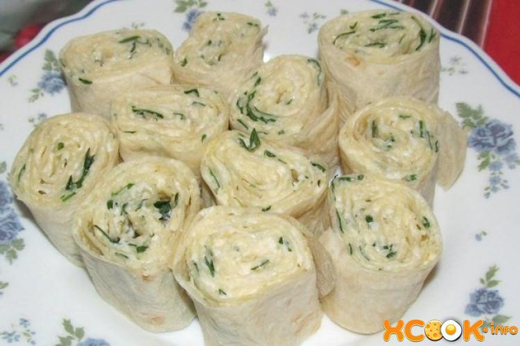 Лаваш с сыром зеленью и чесноком
