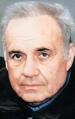 В главной роли Актер, Режиссер, Сценарист Эльдар Рязанов, фильмографию смотреть .