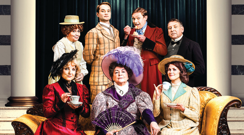 Hit Oscar Wilde comedy heads for the Midlands