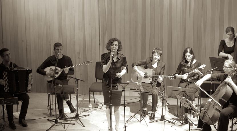 Plastikes Karekles take audiences on a journey through Greece's popular music culture