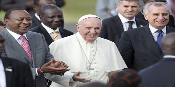 Pope Francis With Uhuru Kenyatta In Kenya
