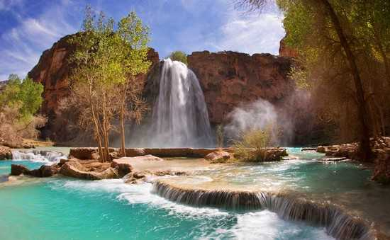 Havasu Falls Is Paradise On Earth This An Absolutely Amazingly Beautiful Waterfall Located In A Remote Canyon Of Arizona The Spectacular Waterfalls And