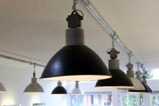 Gebruikte Industriele Lampen : Fabriekslampen filmspots brocante klassiek industrieel