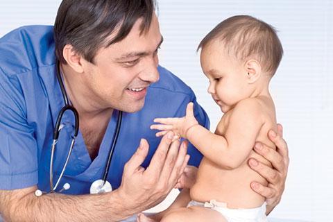 Обход врачей в 1 месяц новорожденному