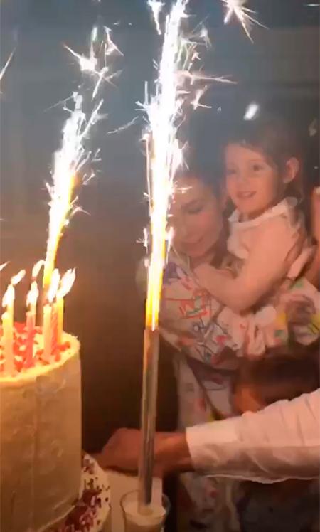 Ляйсан с дочерью Софией